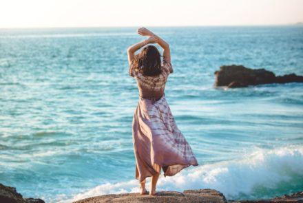 Der neue Weg im Business – über Hingabe, Vertrauen & Soul Business. Die Zeit ist reif für eine ganz neue Art, Dein Unternehmen (+ Dein Leben) zu führen. In diesem Artikel erfährst Du mehr über den femininen Weg im Business!