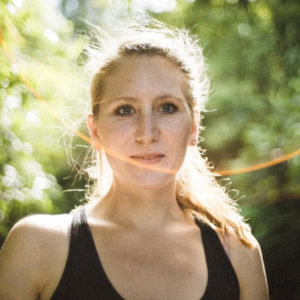 Heilpraktikerin Svenja Asmus berichtet im Interview darüber, wie sie die Pille emotional und auf viele Lebensbereiche auswirken kann.
