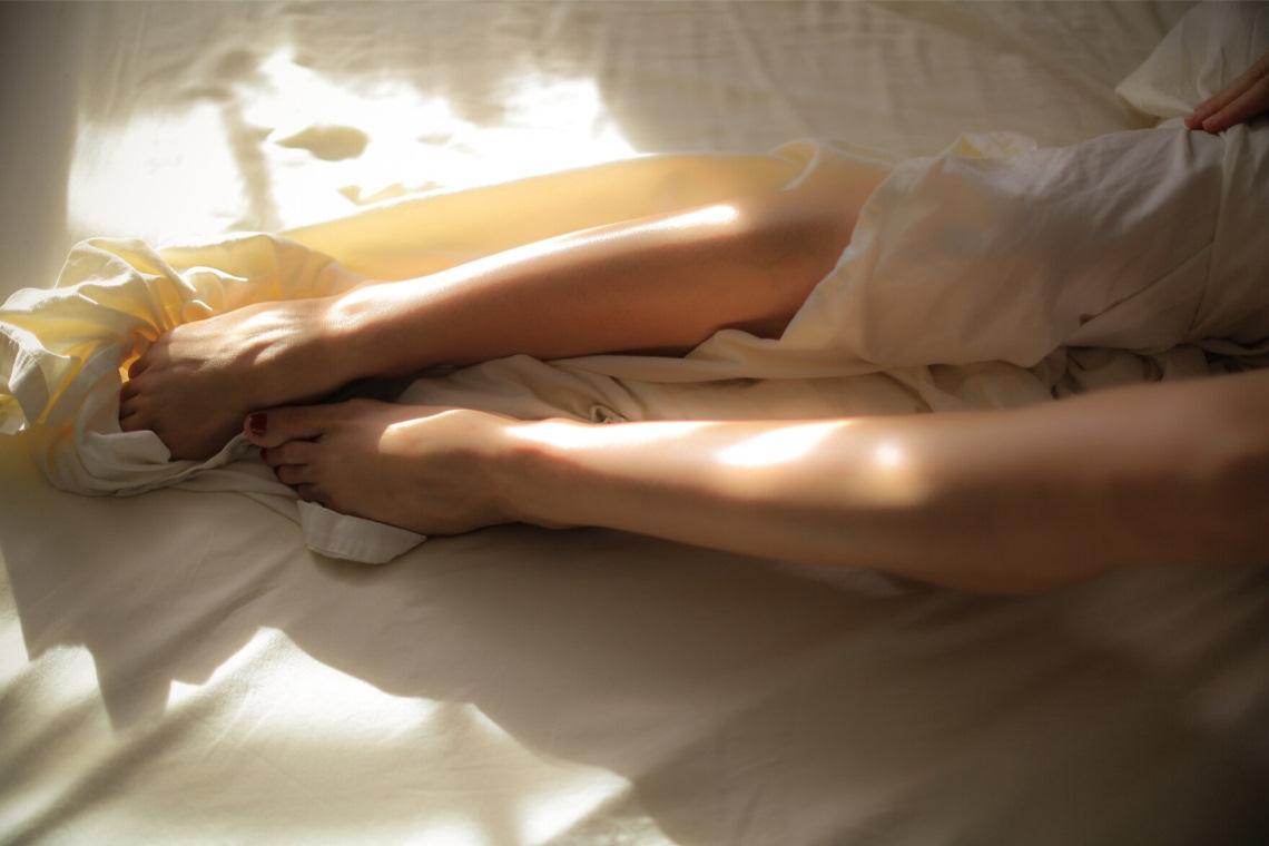 Sexualität heilen – wie wir unsere Sexualität von ungesunden Idealbildern befreien und wahrlich göttlichen Sex erfahren können. Lies mehr >>>