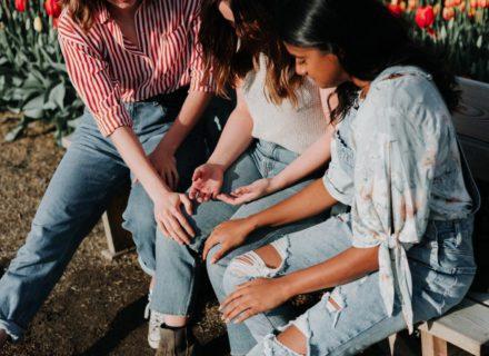 Spiritual Bypassing, Gaslighting & Co: Toxische Muster in Eso-Kreisen und in Frauenkreisen! Lies in diesem Artikel, wie Du einen wirklich ermächtigten und heilsamen Weg gehen kannst!